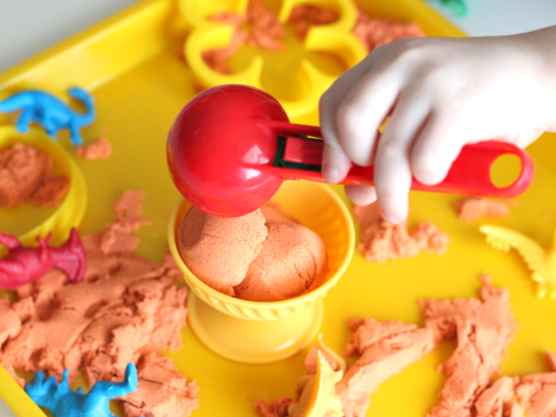 Ice cream scoop kinetic sand