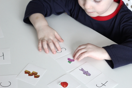Beginning Sounds Matching Puzzles with Stickers. Match the letter to the sticker.