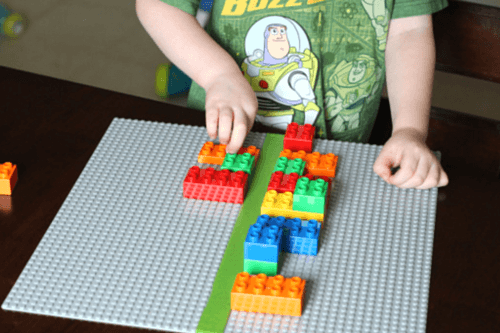 Preschool symmetry lesson with LEGO