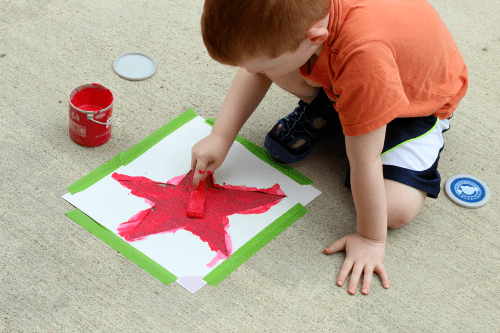 Fun sidewalk chalk paint activity for the 4th of July!