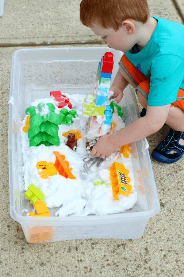 STEM and sensory extension for Jack and the Beanstalk. Build a castle in the clouds.