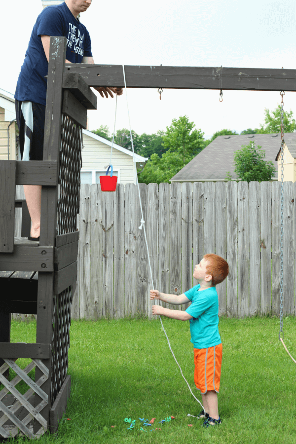 Learn about simple machines with a rope pulley. A fun STEM activity!