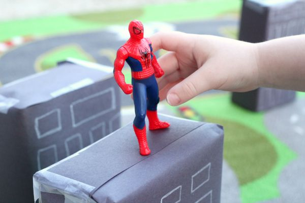 Spiderman small word play