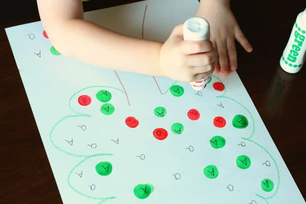 Apple tree alphabet activity for preschoolers. Learn letters with this fun apple themed activity.