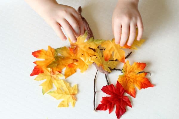Fall fine motor activity for preschoolers.