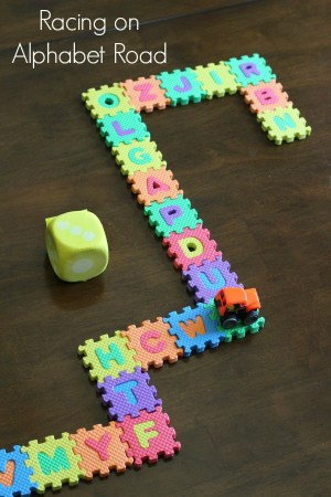 Learn numbers 0-5 with this fun car theme alphabet activity!