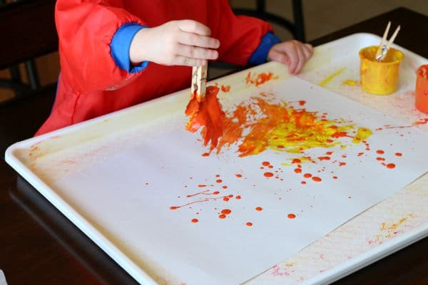 Fall painting activity for toddlers.