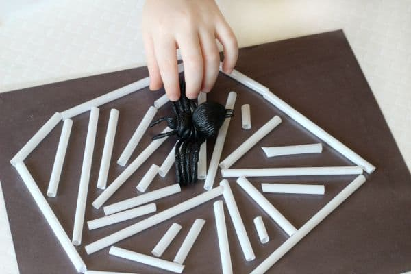 Preschool cutting activity and fine motor development