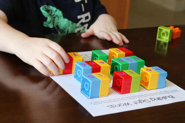 Teaching kids to memorize sight words with a fun activity
