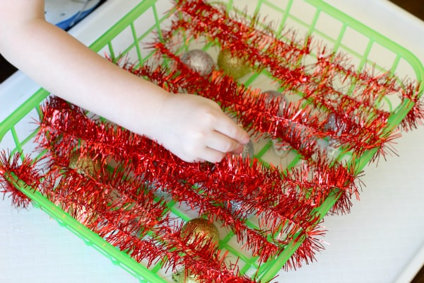 Christmas game that develops fine motor skills