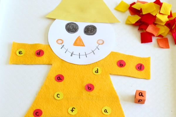 Preschool scarecrow activity