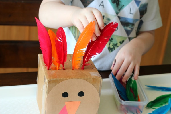 Turkey math activity for preschoolers. Work on counting and patterning while developing fine motor skills!