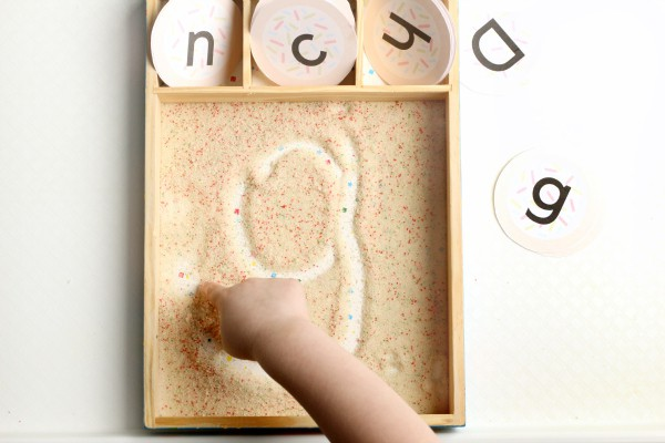 Cookie sensory activity that engages many of your senses.