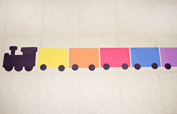 This color sorting train is a super fun way to teach kids to recognize colors, learn to sort objects and count!
