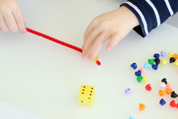 Valentine's Day counting game for preschoolers.