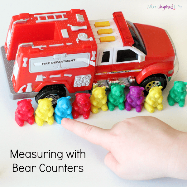Preschool measurement activity. A fun hands-on math activity for young kids.