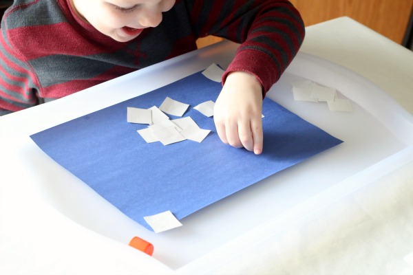 Snowman craft for toddlers and preschoolers.