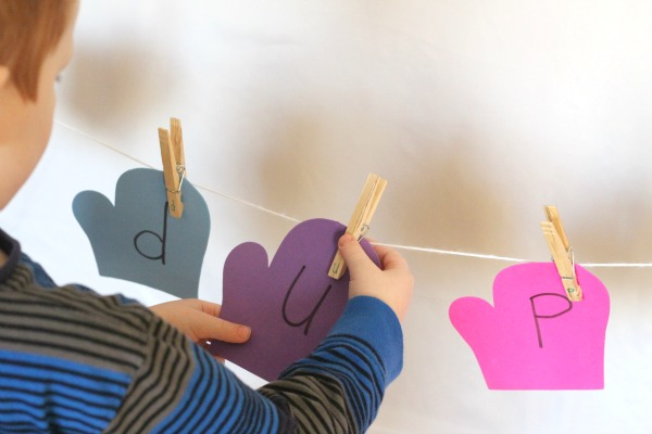 Winter alphabet activity for preschoolers.
