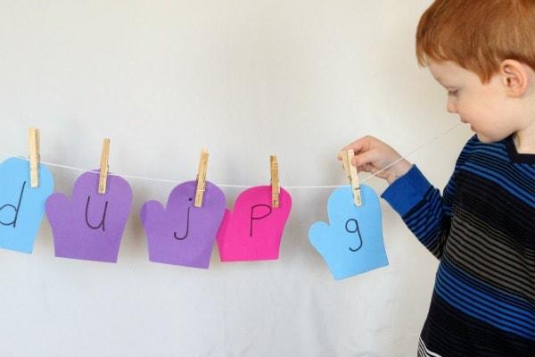 Winter theme activity for preschoolers.