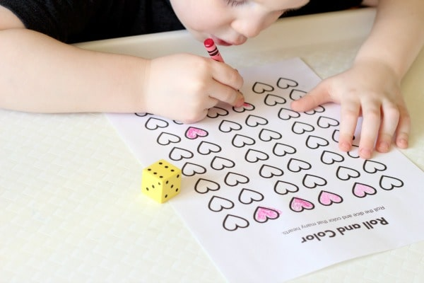 Valentine's Day counting activity. A fun math game for kids!