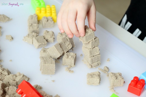 Engineering with kinetic sand and blocks. A fun kinetic sand activity!