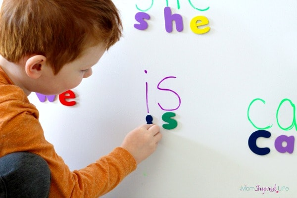 A fun sight word activity for preschoolers and kindergartners.
