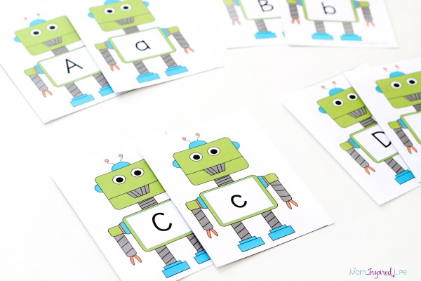 Robot letter matching game. Free printable robot cards included!