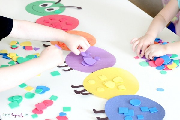 Shape sorting caterpillar activity for teaching shapes to preschoolers and toddlers.