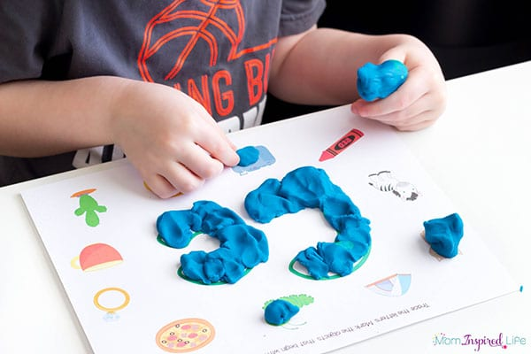 Teaching children to identify letter sounds with this neat beginning sounds alphabet mat.