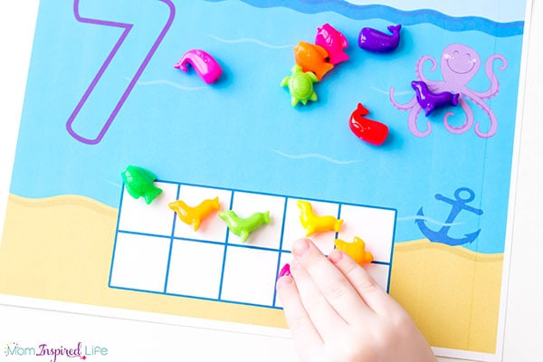 Learning numbers and counting with fun ocean counting mats! Plus, the ocean animal beads are such a fun manipulative!
