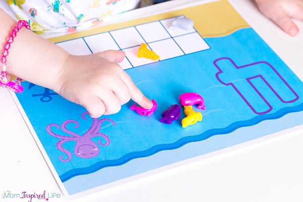 A fun ocean counting activity for toddlers!