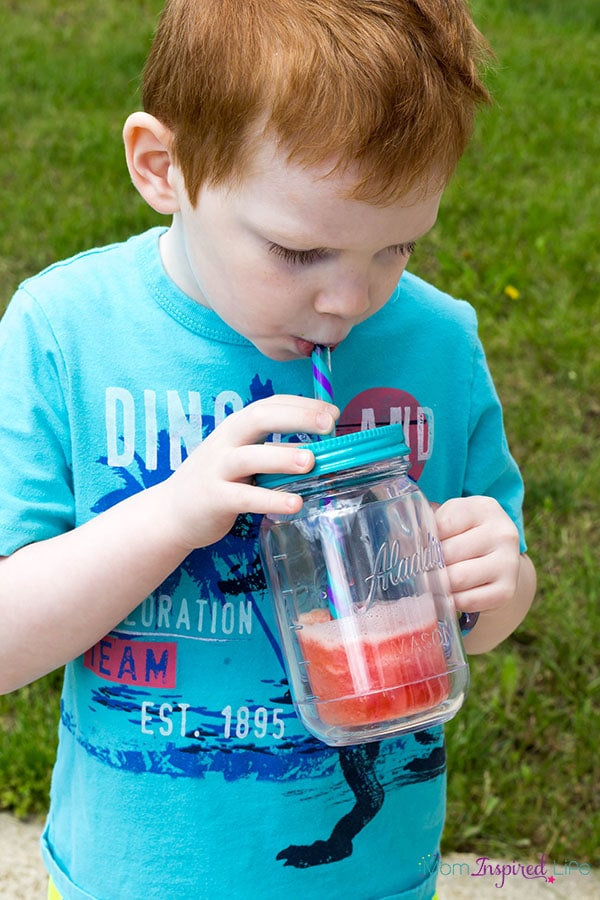 Kids will love cooling down with this fun summer snack that is made with real fruit and fruit juice!
