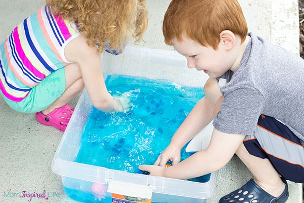 This Finding Dory party activity is sure to be a hit at your party!
