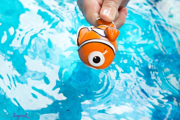 Your kids will have a blast with this Finding Dory activity!