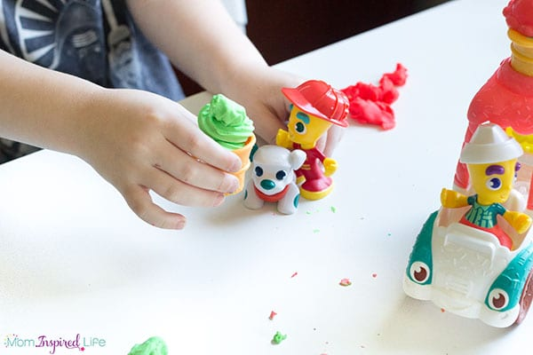 Pretend play with play dough toys kids love!