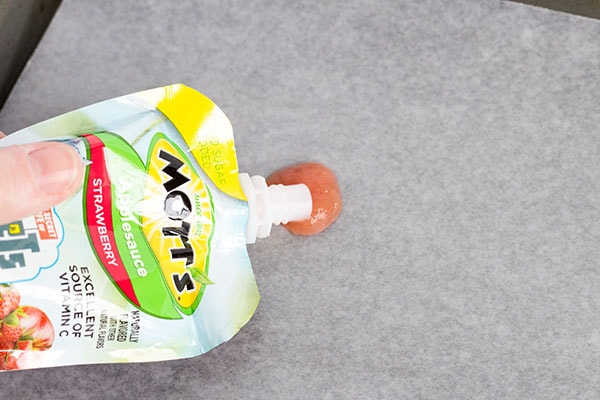 Applesauce snack hack that your kids will love!