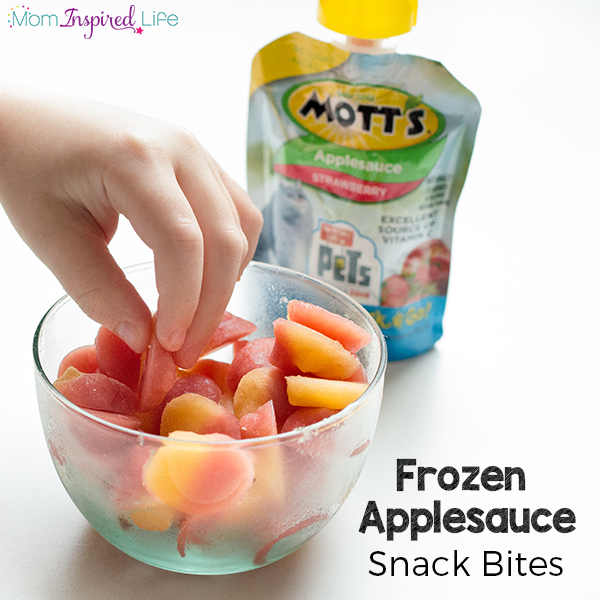 This frozen applesauce snack is super easy to make and tastes so good! Your kids will love this healthy snack option.