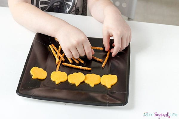 A simple preschool Halloween snack that the kids can make themselves.