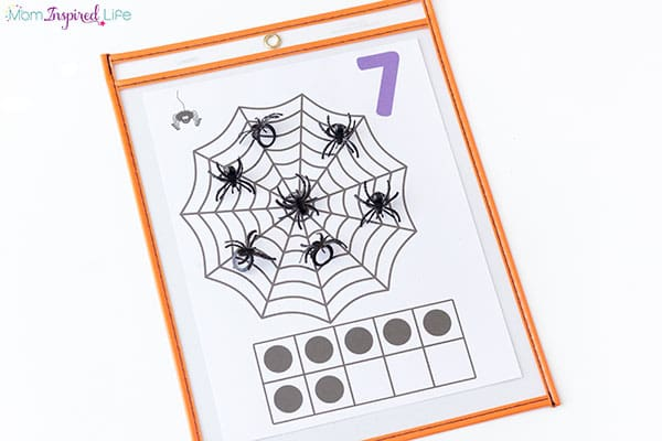 Spider counting mats are perfect for the month of October! This math activity is sure to be a hit!