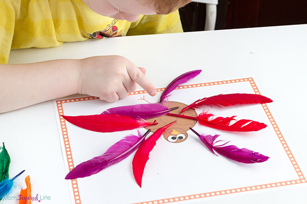 Adding and subtracting turkey feathers. Thanksgiving math activity for kindergarten and first grade.