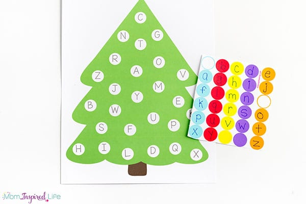 Letter matching Christmas tree activity.