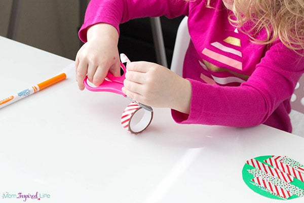A Christmas craft for young kids to make.