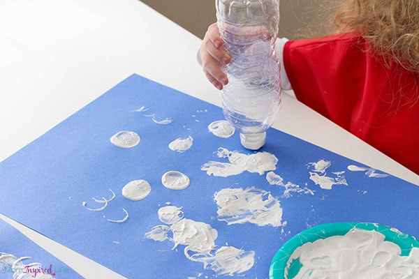 Winter art activity for toddlers.