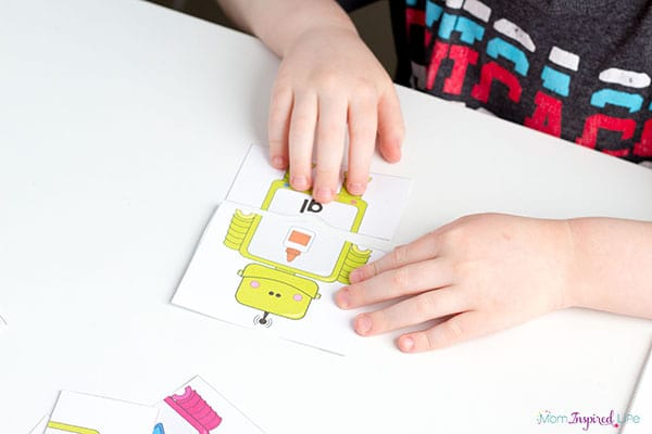 Robot activity for a literacy center or phonics lesson.