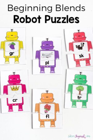 Beginning blends robot puzzles are a fun way to work on beginning blends while teaching phonics to kids.