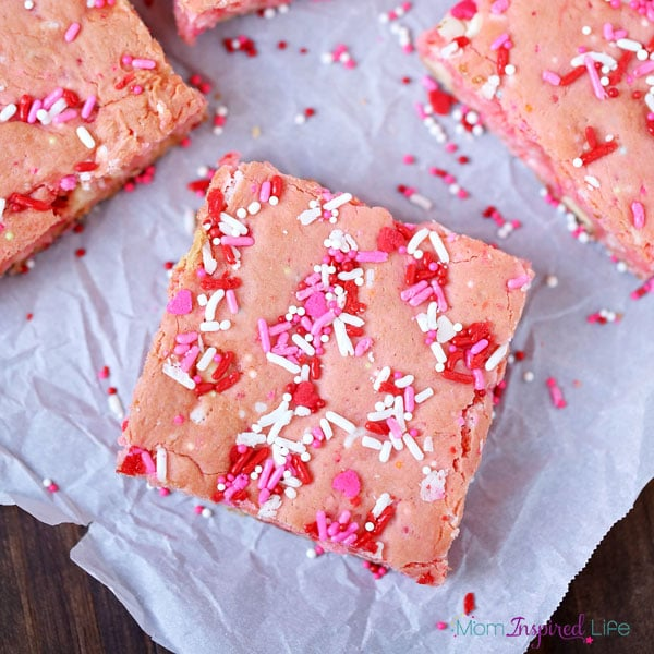 Strawberry cake mix cookie bars for Valentine's Day! An easy Valentine's Day dessert.