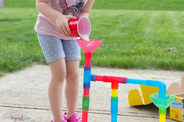 Fun water play activity for kids!