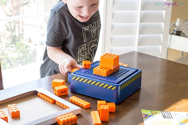 This earthquake engineering kits is SO COOL! Kids will love it!