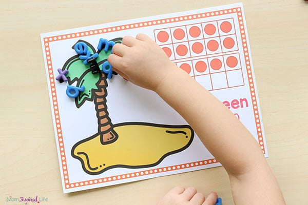 Kindergarten math activity to go with the book Chicka Chicka Boom Boom.
