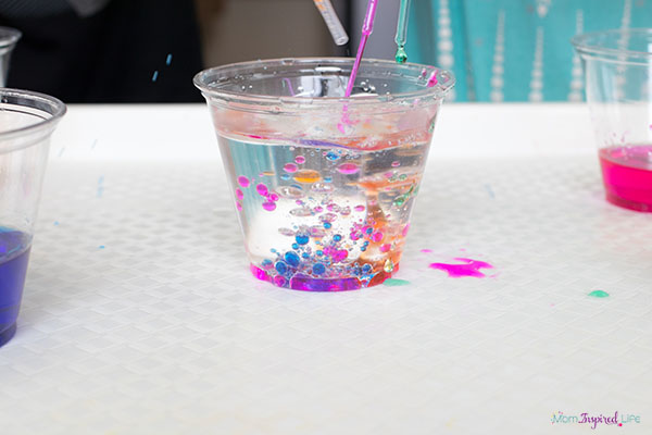 Oil and water science experiment for kids.